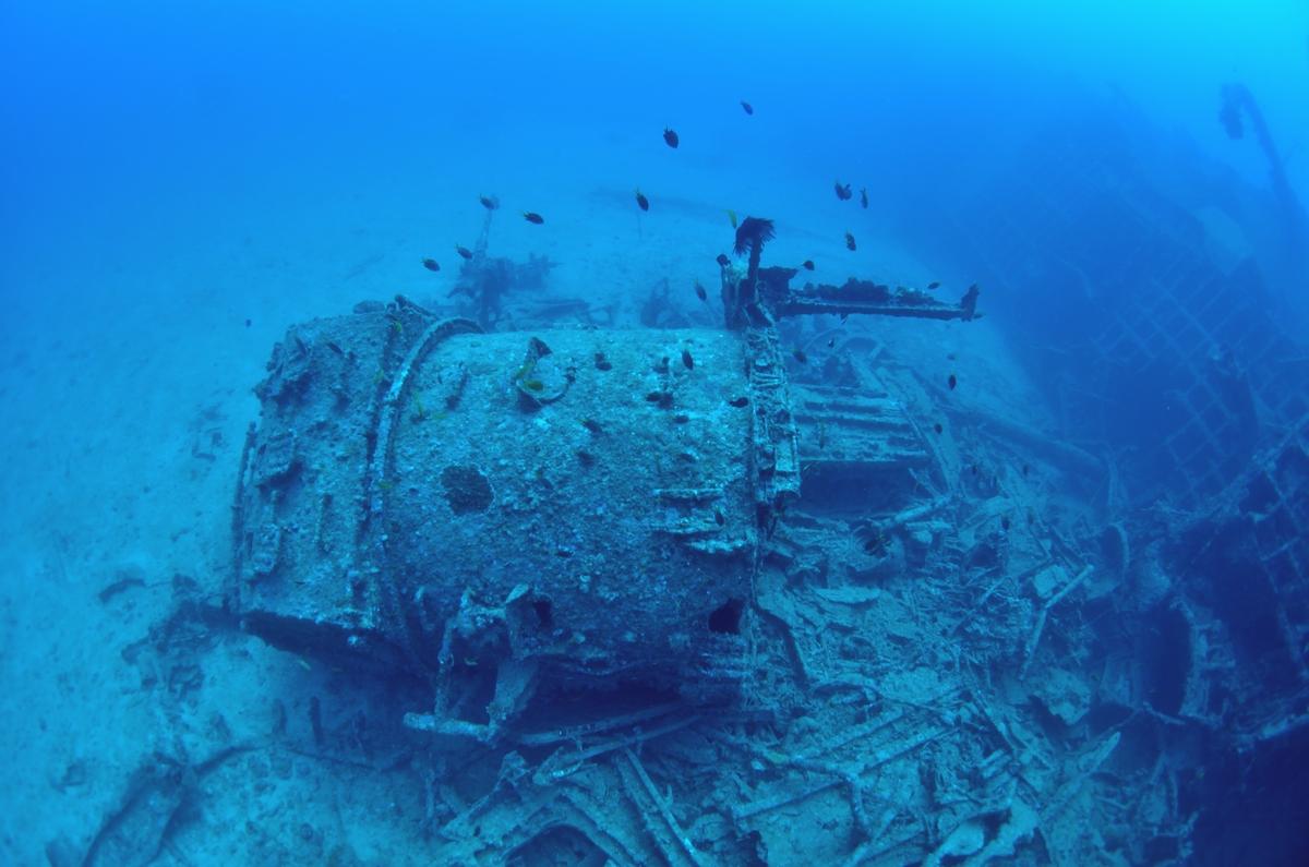 USS EMMONS・米軍掃海艇駆逐艦船体2