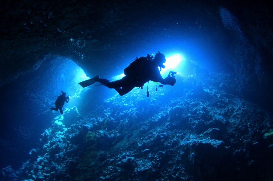 伊江島 オホバの大洞窟・入り口