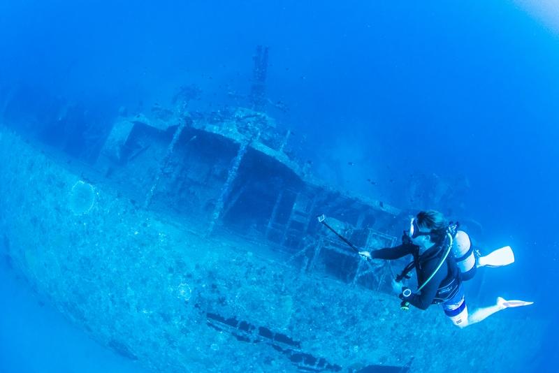 USSエモンズとダイバー