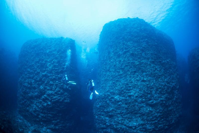 伊江島キャニオンの絶壁