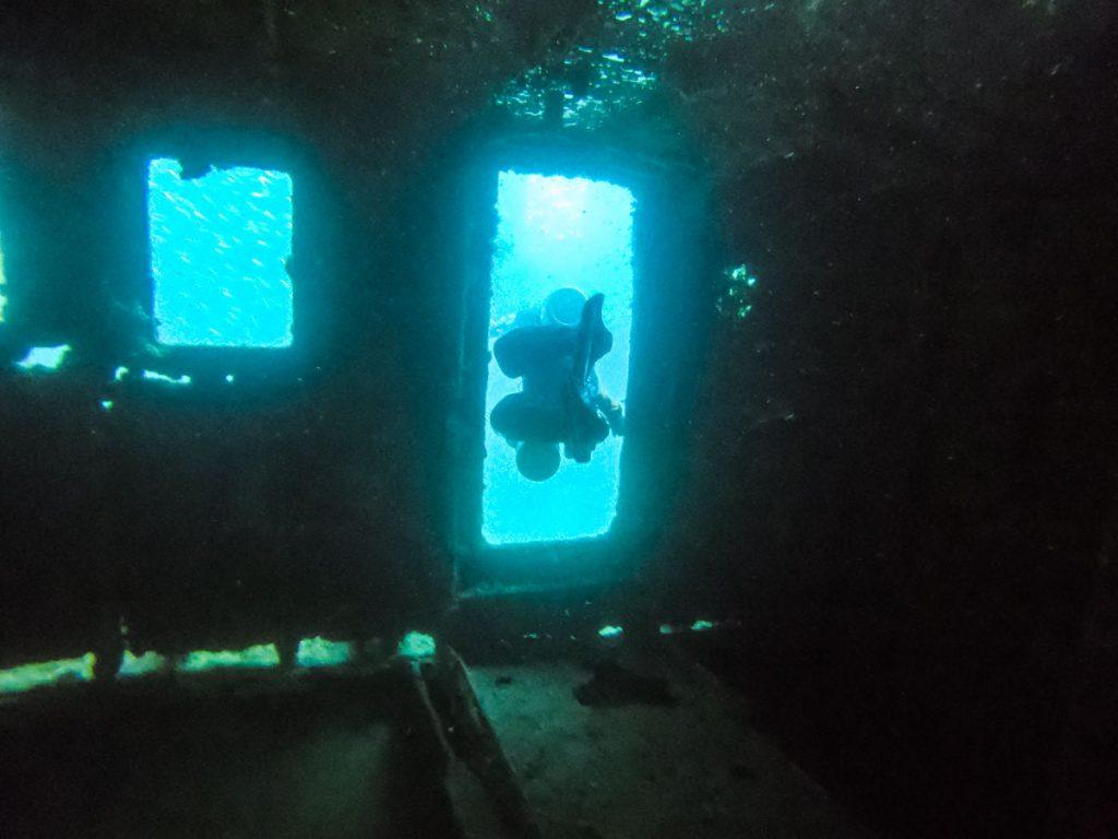 南紀白浜の沈没船・ペネトレーション